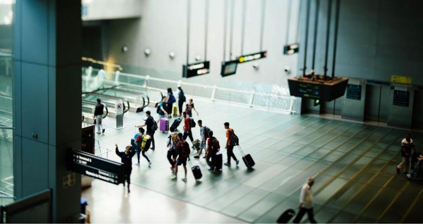 donde esperar el taxi dentro del aeropuerto prat barcelona